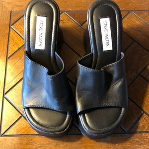 Steve Madden Ginnie black wedge sandals size 8B